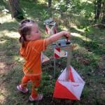 Шведские соревнования O-Ringen, на дистанции для малышей. Оранжевый - мой любимый цвет! (Калининград)